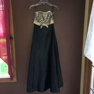 Black & Gold Lace Bodice Gown